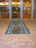 Tidslåda I Golvet - Hallunda Gymnasieskola, 2006